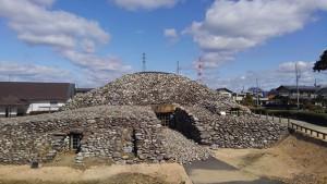 次郎兵衛塚古墳 まるでピラミッドのような大きな古墳